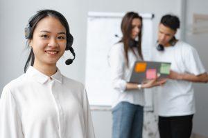 5 zalet słuchawek do telekonferencji