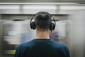 Jakie słuchawki są najzdrowsze dla uszu?